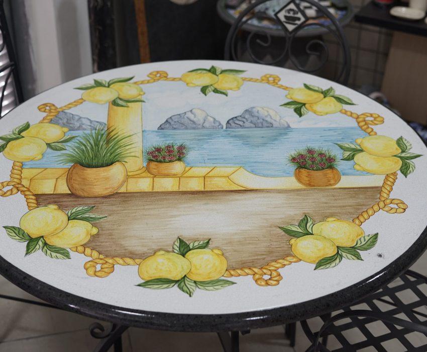 Tavolo Circolare di Pietra Lavica Smaltata Varie Misure